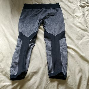 Compression workout crops
